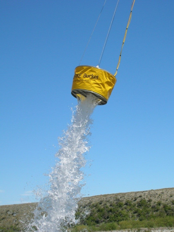 500 Litre HELiFIRE™ Monsoon Bucket – Monsoon Effect_med