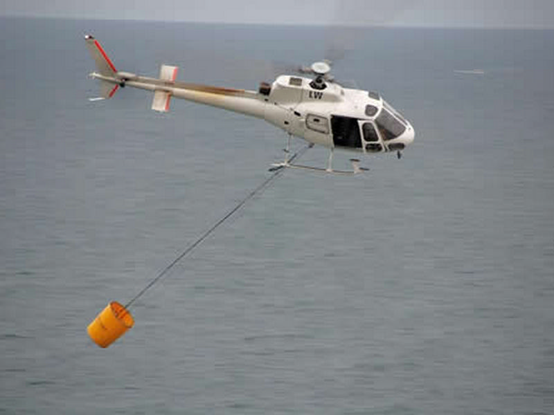 HELiFIRE_Monsoon_Bucket_OHL_2_med